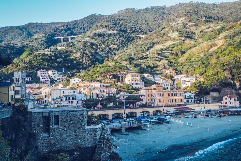 pajuska-na-cestach-cinque-terre-italy-monterosso