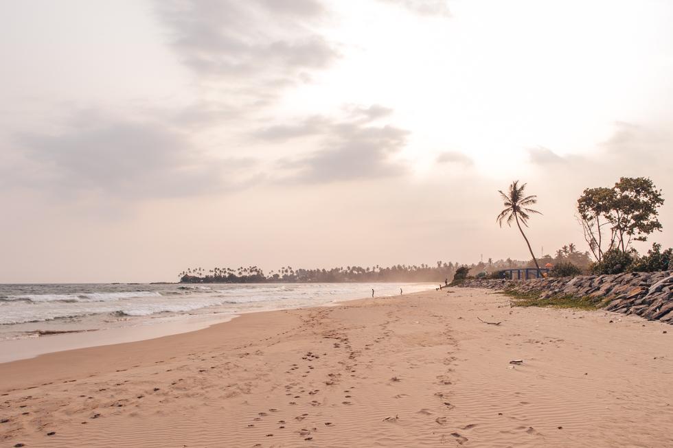pajuska-na-cestach-sri-lanka-dickwella-beach
