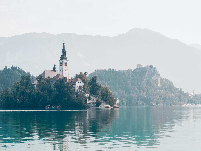 pajuska-na-cestach-slovinsko-jezero-bled