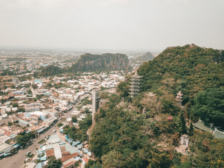 pajuska-na-cestach-vietnam-marble-mountains